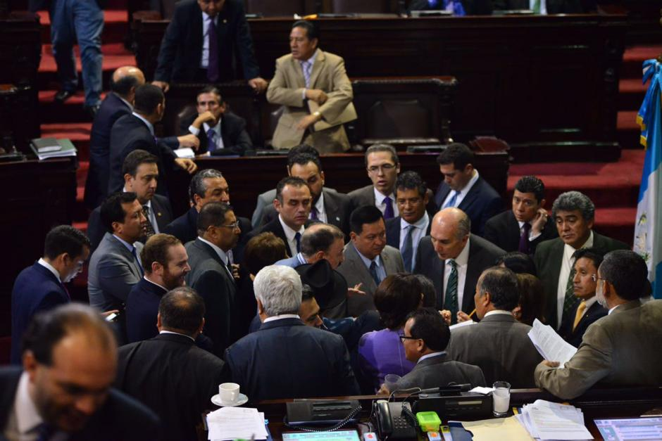 El Presidente le pidió apoyo a los diputados para aprobar dos iniciativas de ley. (Foto: Archivo/Soy502)