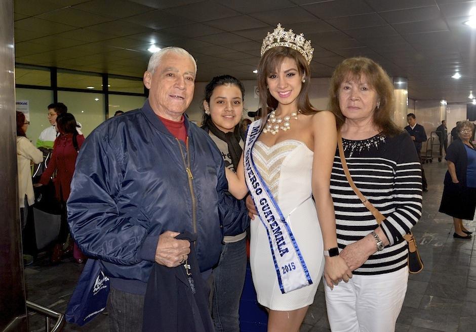 Miss Guatemala 2015-2016, Jeimmy Aburto hizo maletas para partir a Las Vegas Nevada y representar a nuestro país en Miss Universo. (Foto: Selene Mejía/Soy502)