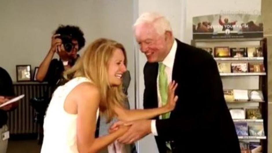 Thomas y Jeni se conocieron en la víspera de la ceremonia. (Foto: ABC/YouTube)
