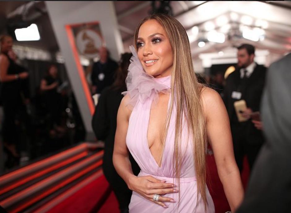 Así llegó Jennifer López a la premiación de los Grammy`s. (Foto: TKM)