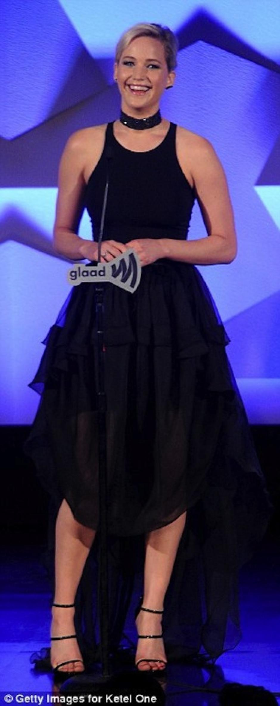 La actriz lució una sonrisa en el escenario. (Foto: Mail Online)