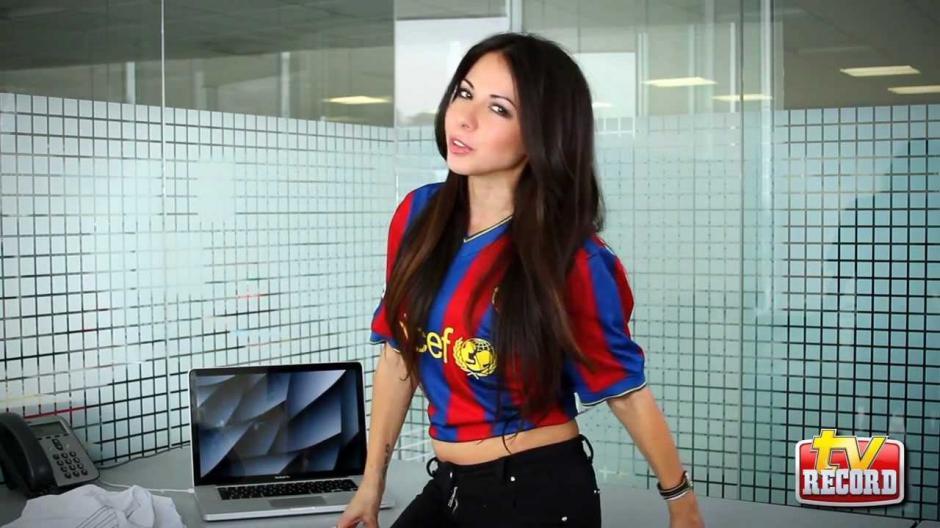 La periodista de Fox Sports Jimena Sánchez se ha solidarizado con Chicharito Hernández tras la lesión que tuvo el delantero de clavícula.