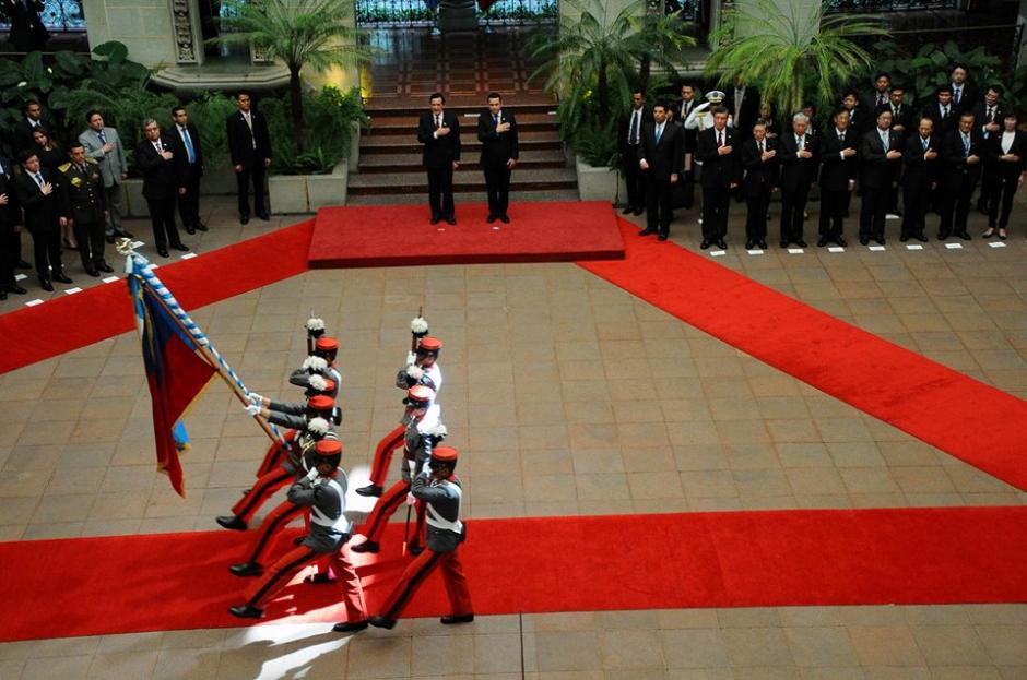 Los honores que realiza la Escuela Politécnica se realizan con visitas oficiales. (Foto: Alejando Balán/Soy502)
