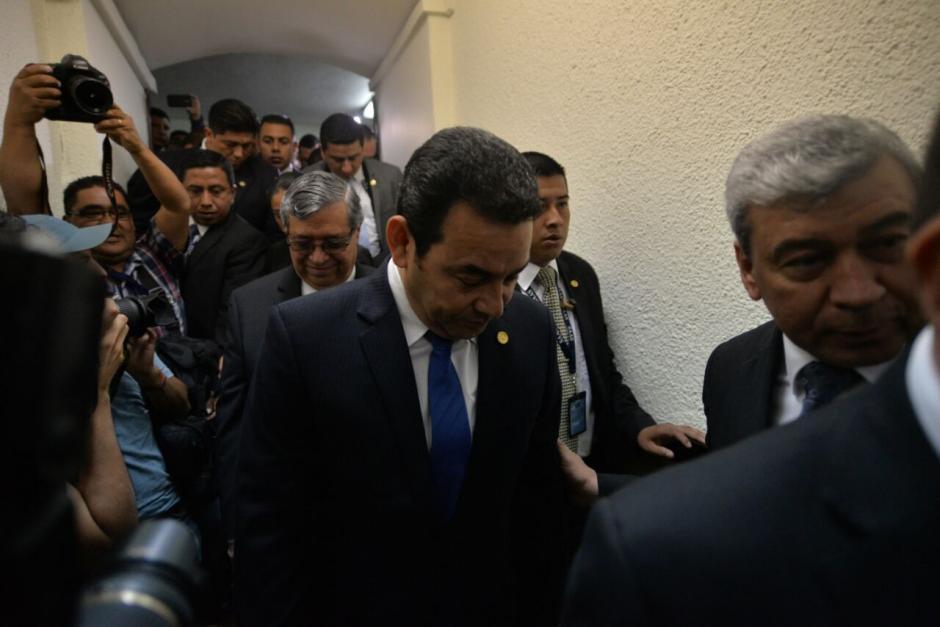 Morales dijo que como en Navidad, hasta las 12 se conocería su informe. (Foto: Wilder López/Soy502)