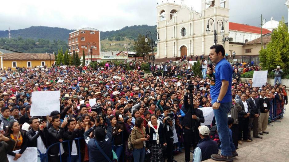 Jimmy Morales inició este jueves una gira en varios departamentos del país. (Foto: Facebook/JimmyMorales)