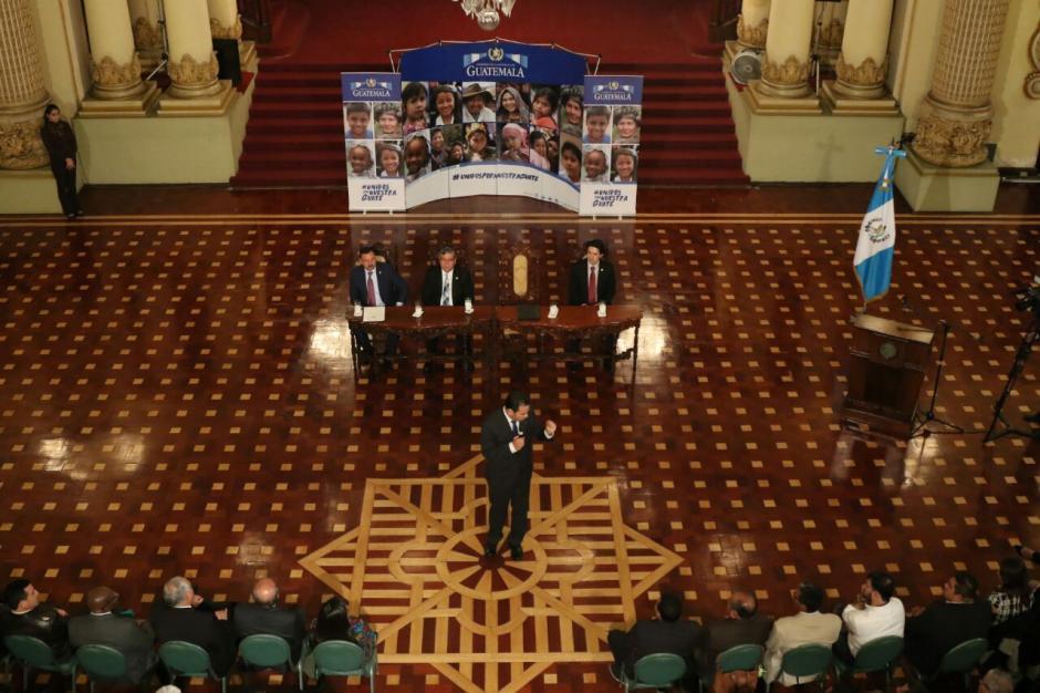 El Gabinete de Gobierno se reunió para dar halagos al mandatario. (Foto: Alejandro Balan/Soy502)