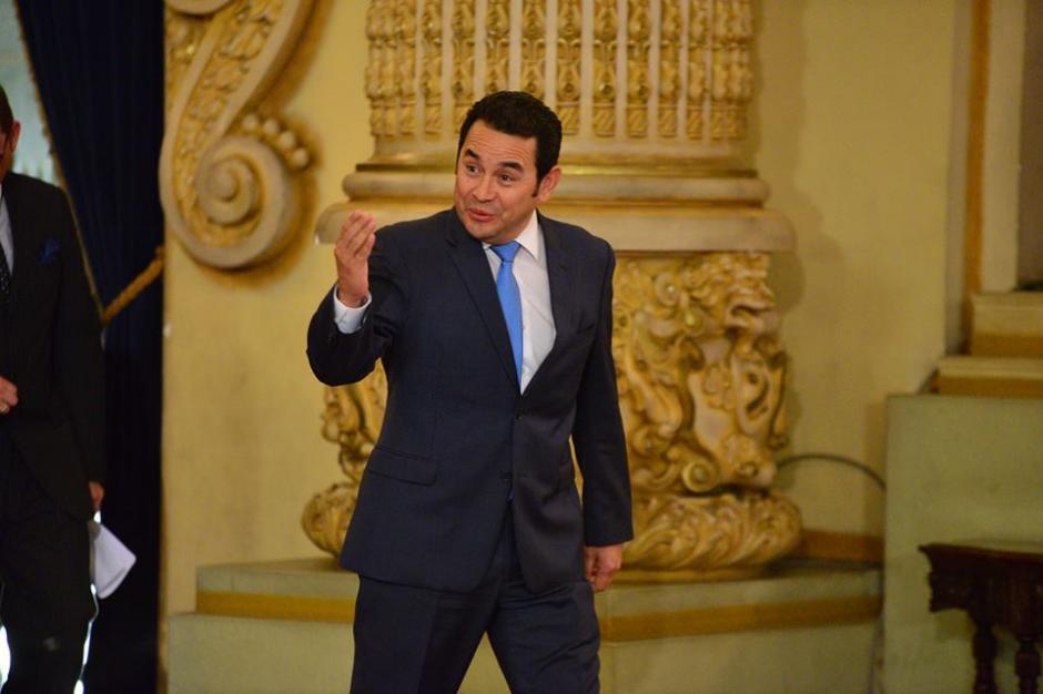 El presidente Jimmy Morales llegó una hora tarde a su conferencia de prensa. (Foto: Wilder López/Soy502)