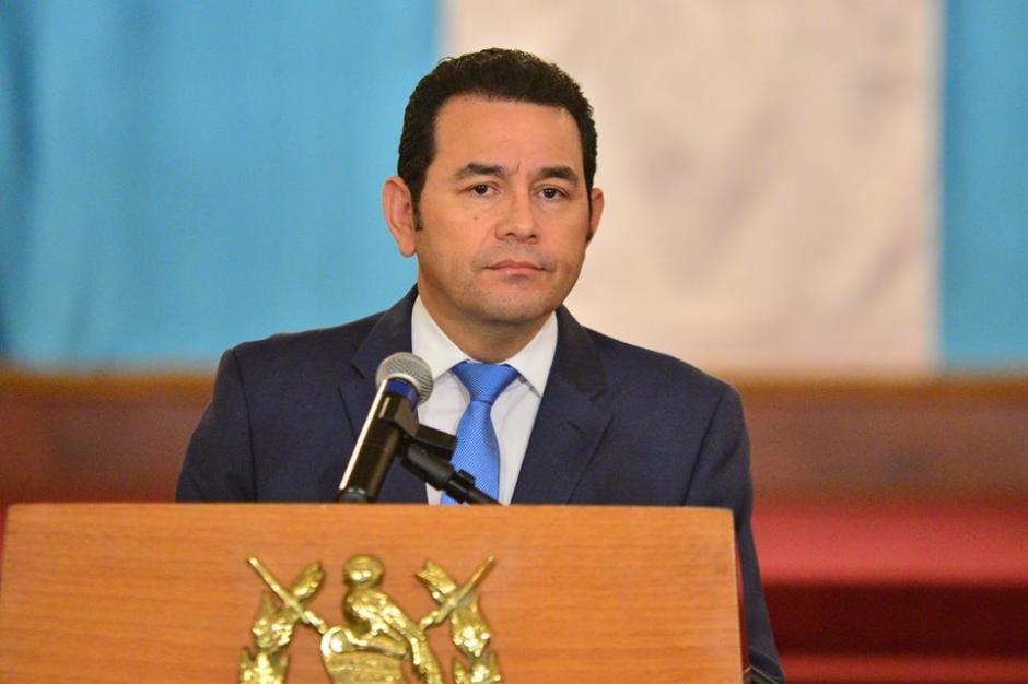 El presidente no pudo ocultar su molestia ante algunas preguntas de los medios de comunicación. (Foto: Wilder López/Soy502)