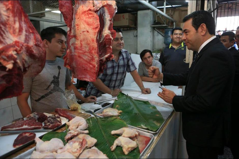 La propuesta del Gobierno es crear dos impuestos a las verduras, frutas y carnes. (Foto: Archivo/Soy502)