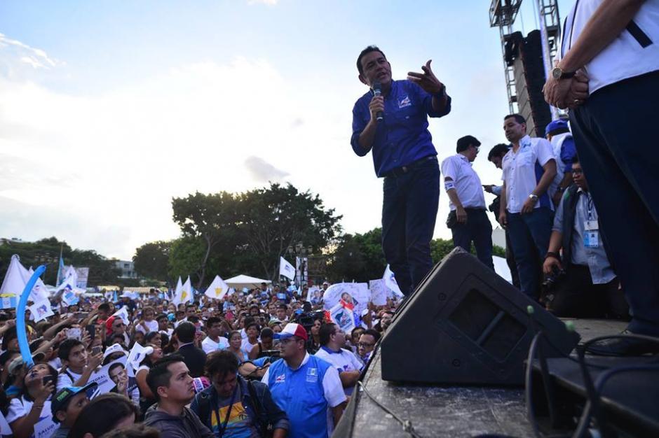 El cierre de campaña de Jimmy Morales se realizó este jueves en el Parque Central. (Foto: Juan Manuel Vega/Soy502)