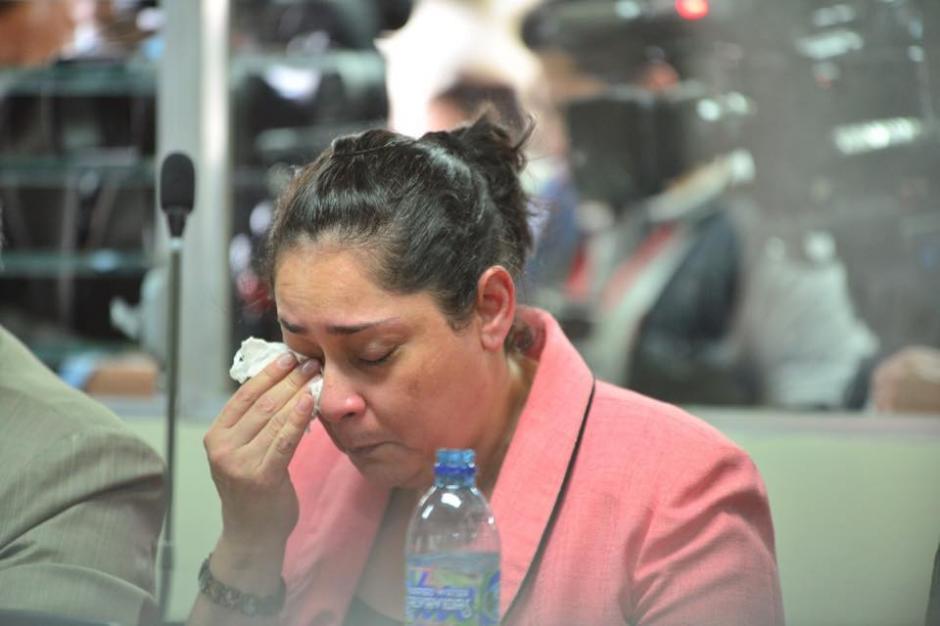 La jueza Jisela Reinoso lloró durante la audiencia en el momento en que la ligaron a proceso. (Foto: Jesús Alfonso/Soy502)