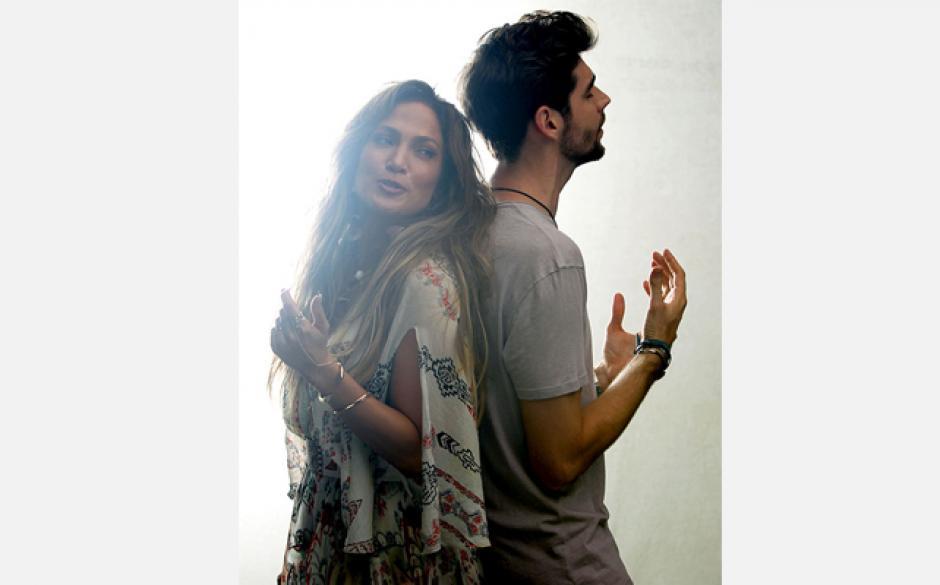 El nuevo sencillo de la Diva del Bronx es un dueto con el cantante español Álvaro Soler.
