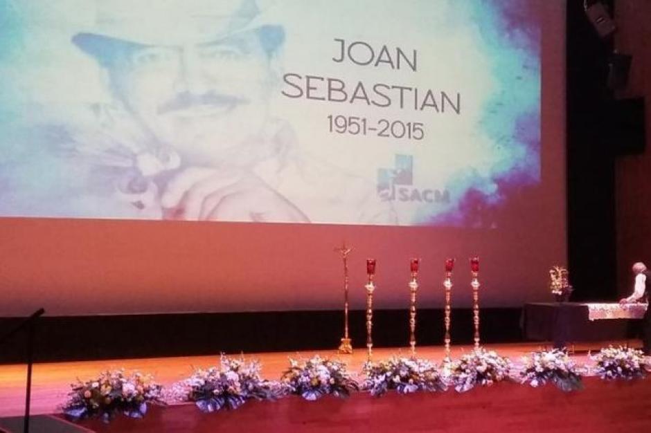 """La Sociedad de Autores y Compositores ofrecieron este homenaje al """"ídolo del pueblo""""."""