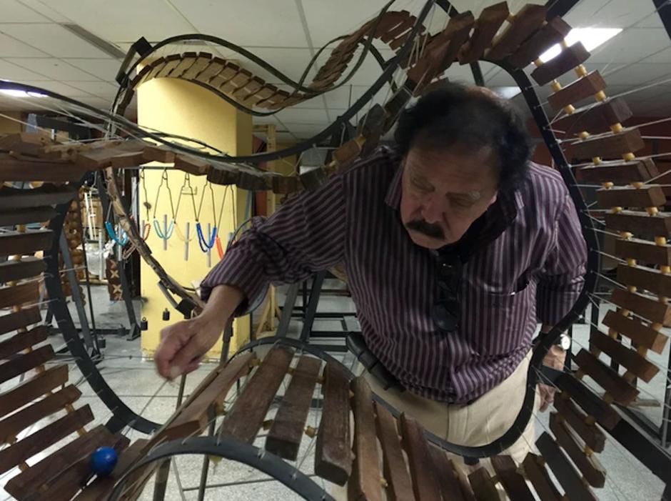 Los fondos recaudados servirán para la restauración de los instrumentos creados por Orellana, que se han dañado con el tiempo, además de la grabación de su música y la creación de un catálogo de foto, audio y video de su trabajo. (Foto: NuMu/Kickstarter)