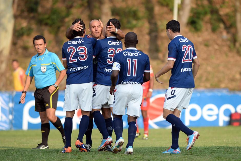 La Universidad derrotó a Iztapa y celebra una semana más como líder del Torneo Clausura. (Foto: Nuestro Diario)