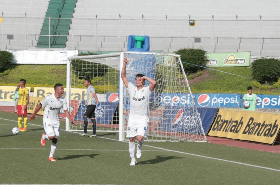 Jonathan Lozano marcó el segundo gol del conjunto albo. (Foto: @CremasOficial/Twitter)
