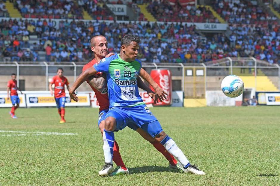 Suchitepéquez y Municipal empataron a cero en el estadio Israel Barrios. (Foto: Nuestro Diario)