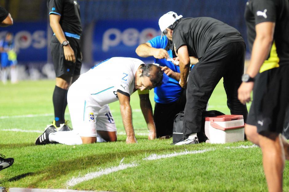 """Menos de dos minutos para la """"reparación"""" del 10 de los Cremas. (Foto: Orlando Chile/Nuestro Diario)"""