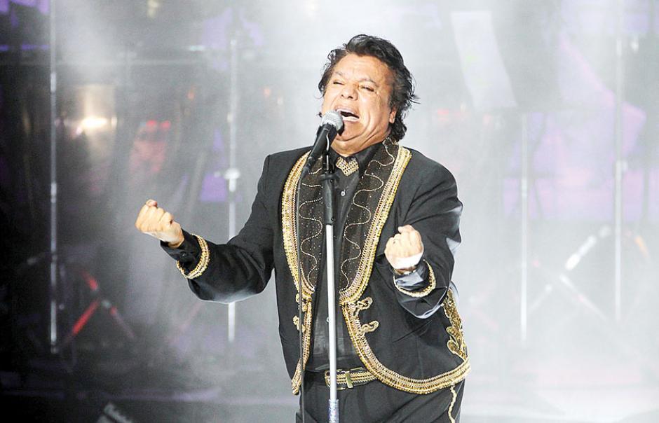 """La familia del desaparecido Juan Gabriel, se opone al montaje del espectáculo, basado en varios temas del """"Divo de Juárez"""". (Foto: elmanana.com.mx)"""