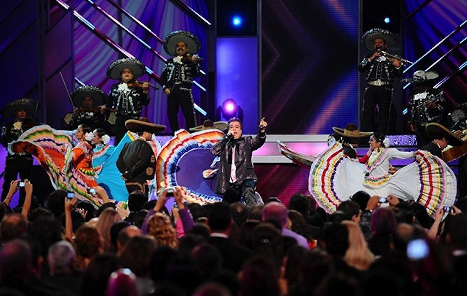 El músico español que presentó el premio a Juan Gabriel en los Grammy ignoraba que ya había muerto. (Foto: Latin Grammy)