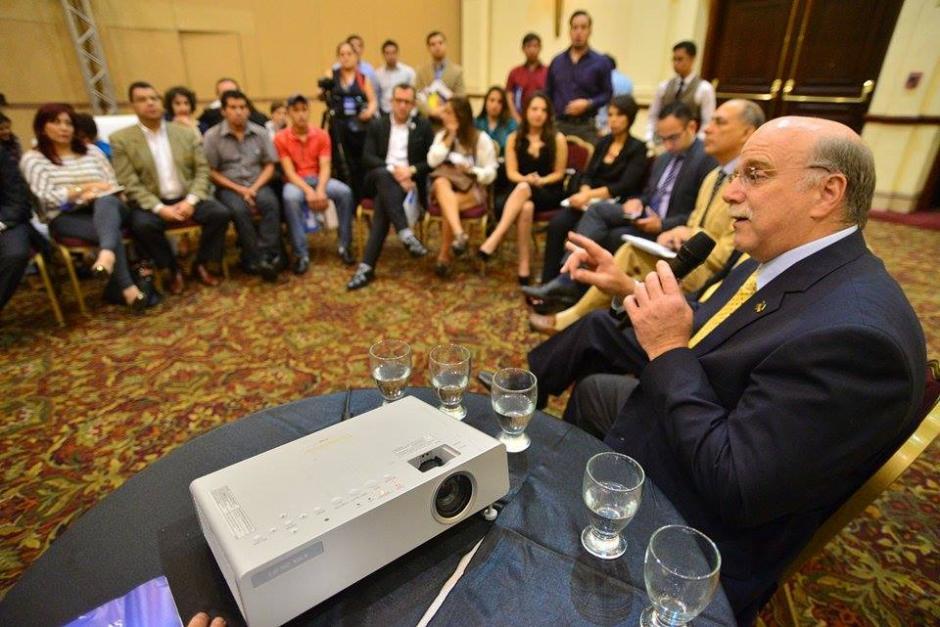 El candidato presidencial del Partido de Avanzada Nacional (PAN), Juan Gutiérrez, durante el Foro Esquipulas. (Foto: Wilder López/Soy502)