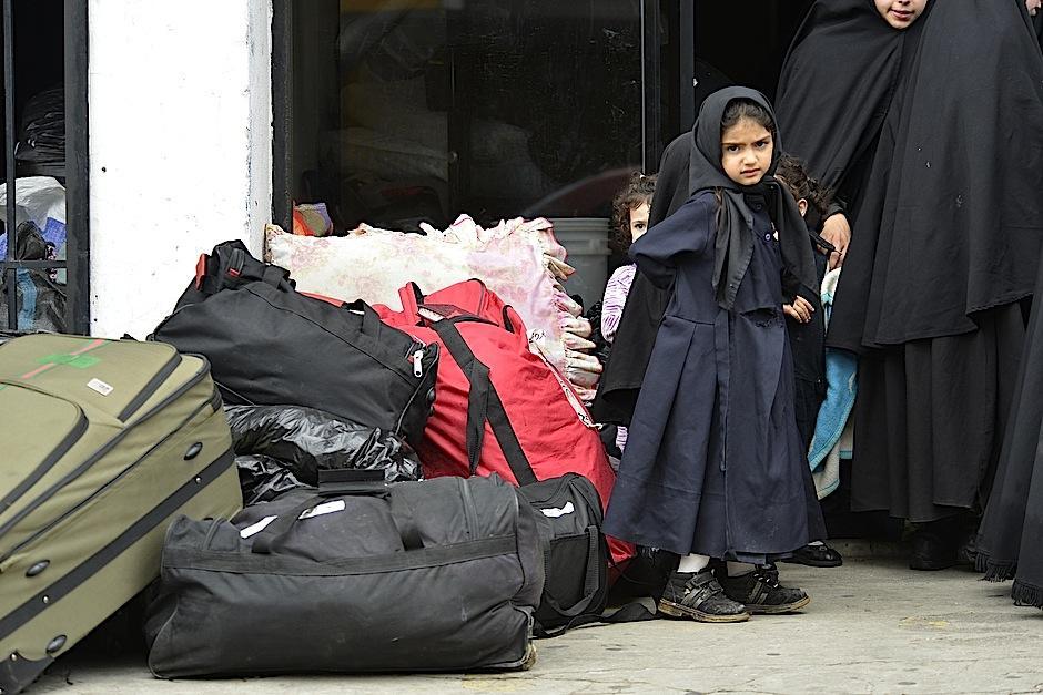 Niña de la comunidad Lev Tahor, a su llegada a la ciudad de Guatemala. (Foto: Deccio Serrano/Soy502)