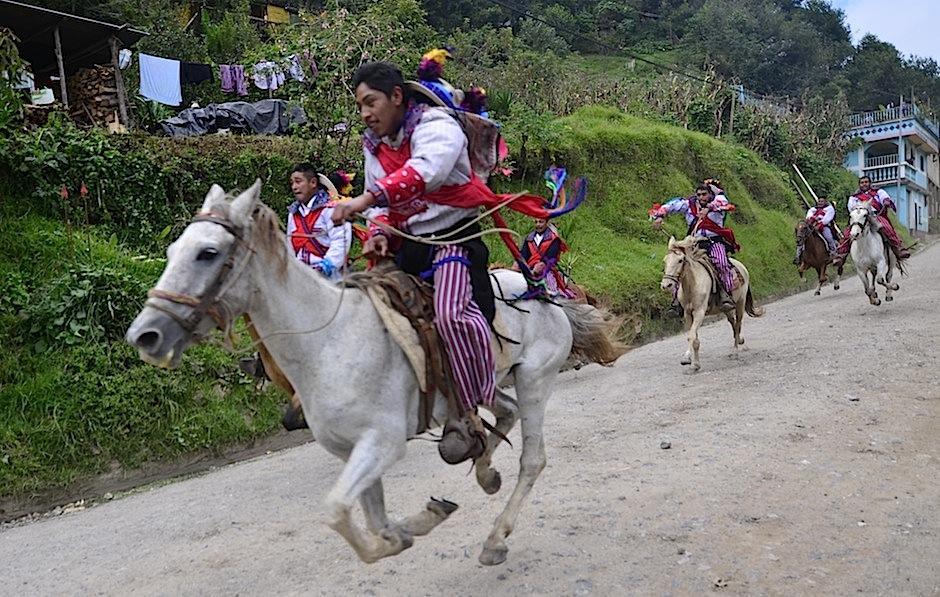 """Esta tradición ha sido llamada incorrectamente como """"Carrera de caballos"""". (Foto: Selene Mejía/Soy502)"""