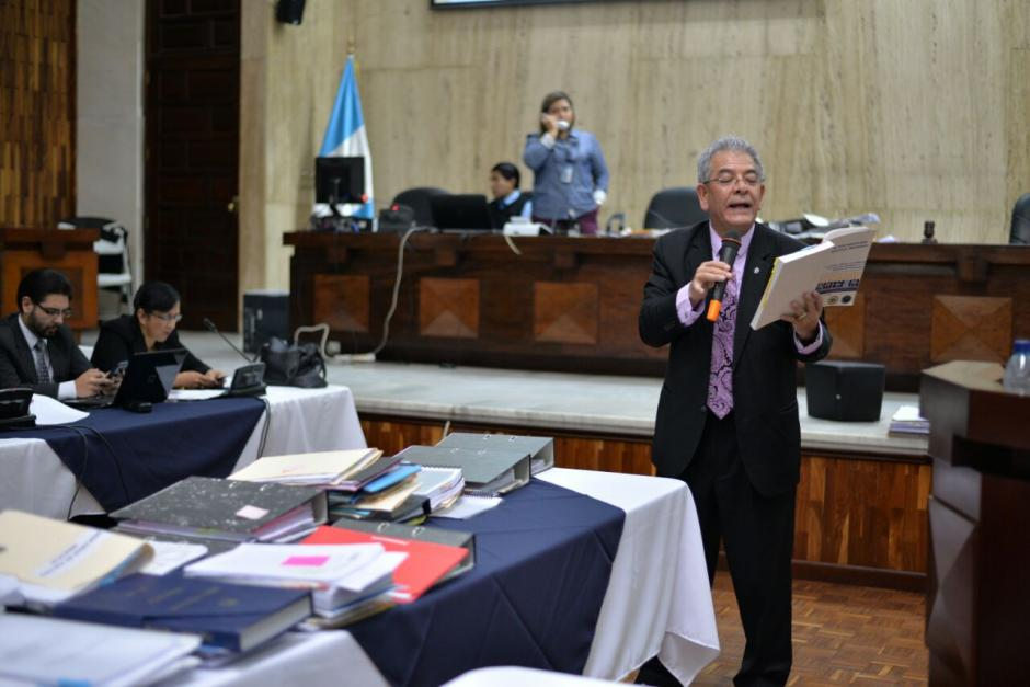 """El juez Miguel Ángel Gálvez resolvió enviar a prisión a los """"contratistas"""" y al """"equipo"""". (Foto: Wilder López/Soy502)"""