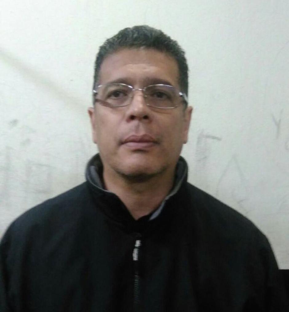 El exjugador de Fútbol René Villavicencio fue detenido por el delito de extorsión. (Foto: @PNCdeGuatemala)