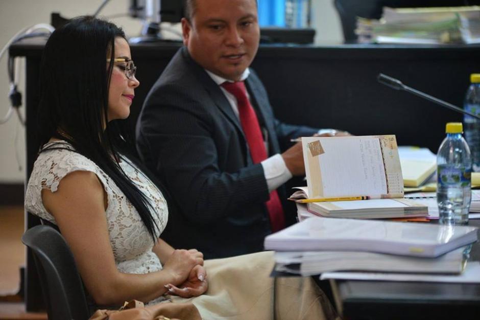 Otro ángulo de la exdiputada y exdirectora de Conjuve Julia Maldonado. (Foto: Wilder López/Soy502)