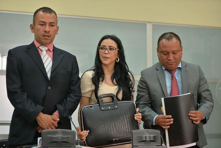 Los abogados defensores de Julia Maldonado en el caso. (Foto: Wilder López/Soy502)