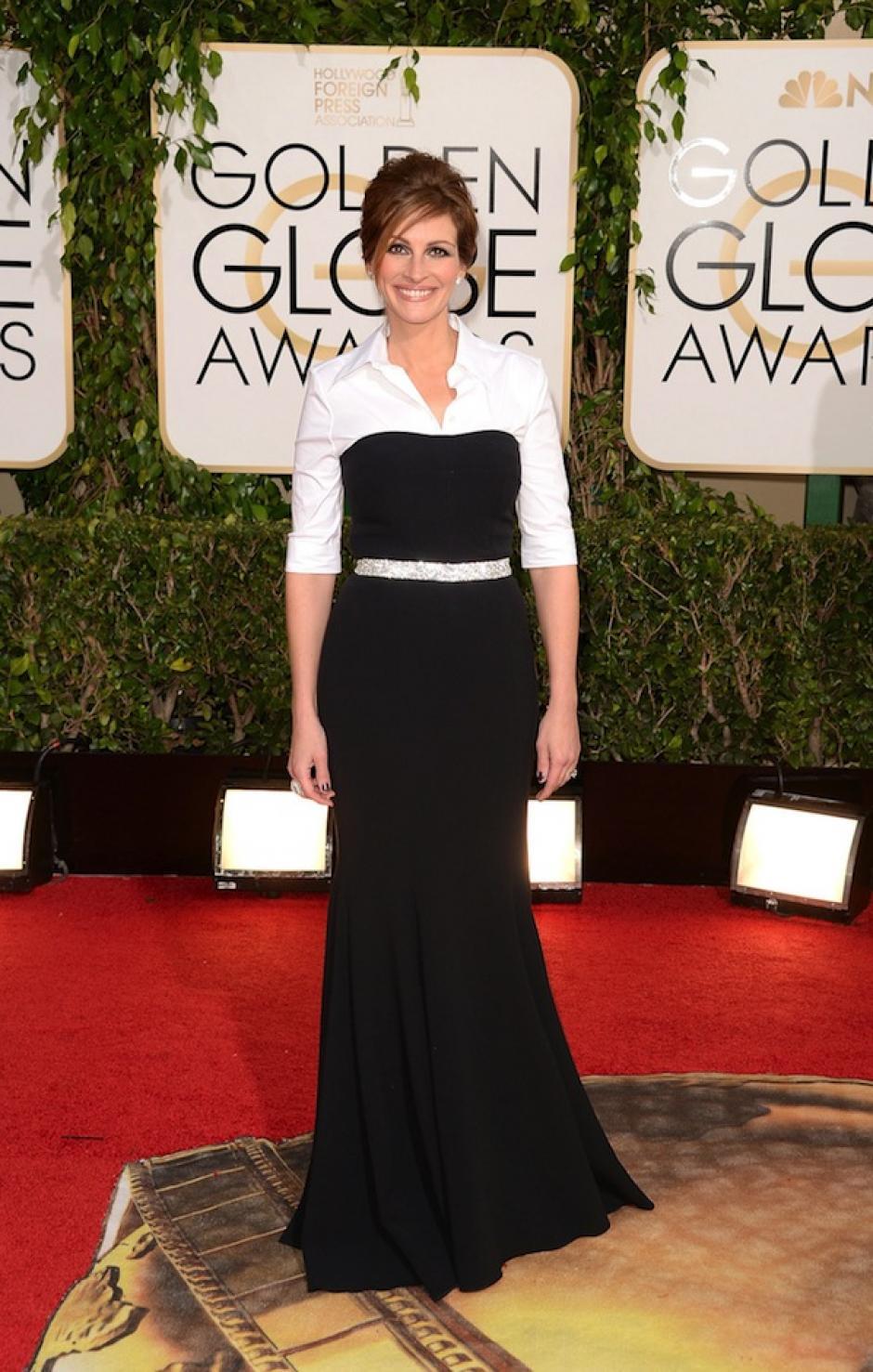 Julia Roberts eligió un Dolge & Gabbana que daba la sensación de unificar una camisa debajo del vestido, un poco informal para el show. (Foto: Theworldcalfredo)