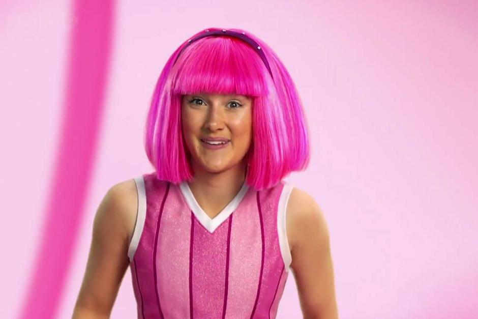 "Stephanie era la niña de peluca rosada en la serie ""Lazy Town"". (Imagen: Google)"
