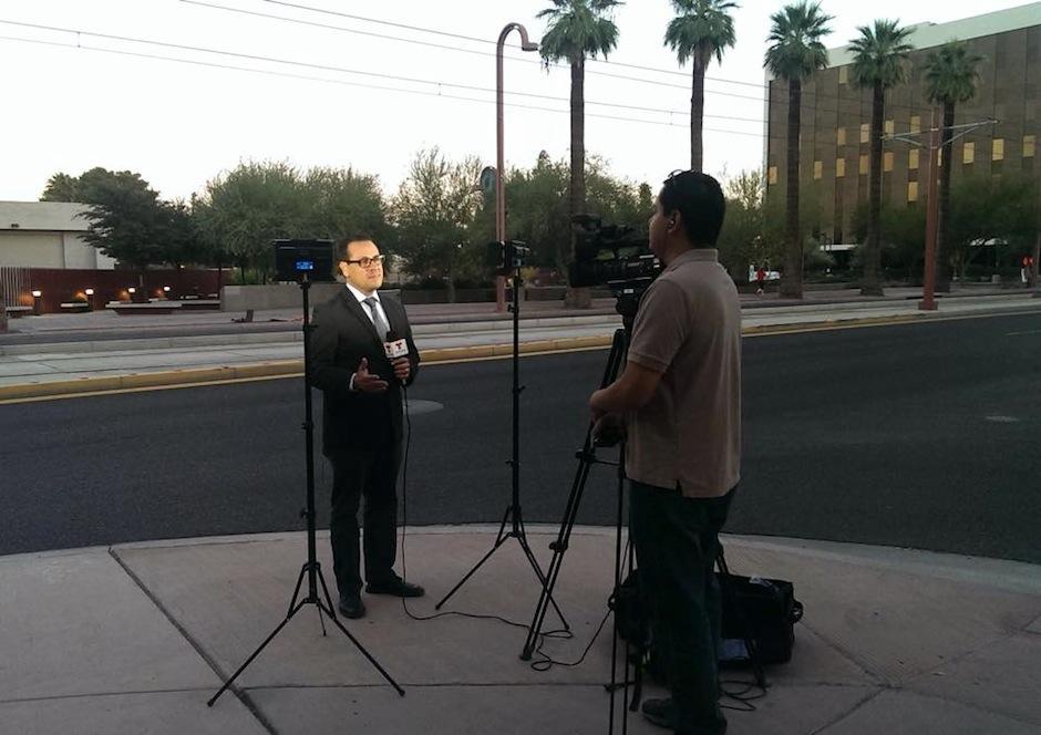 Es un periodista guatemalteco, que trabaja para Telemundo Arizona. (Foto: Julio Cisneros oficial)