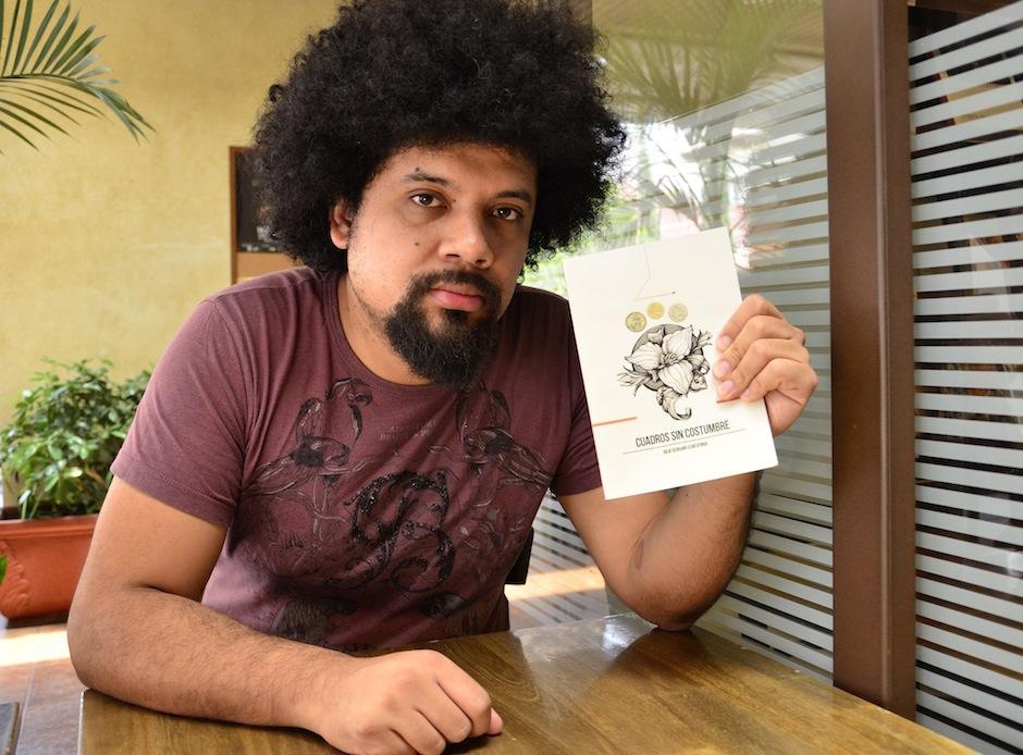Julio Serrano habla de la calle en su nuevo libro. (Foto: Selene Mejía/Soy502)