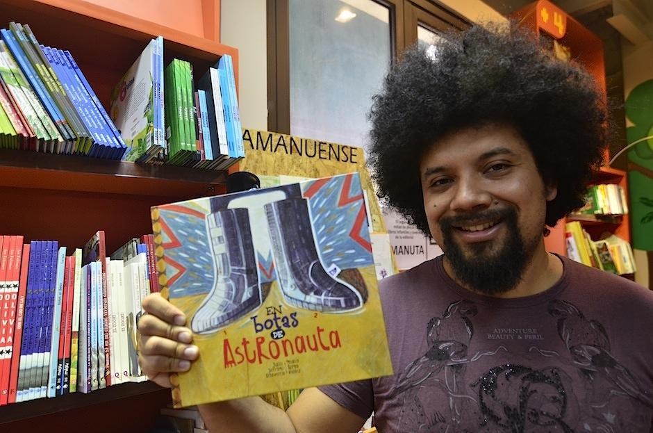 """El libro es publicado por editorial """"Amanuense"""". (Foto: Selene Mejía/Soy502)"""