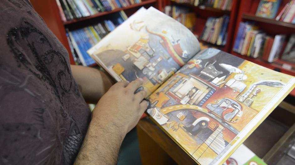 Las ilustraciones son de la autoría de María Elena Valdez. (Foto: Selene Mejía/Soy502)
