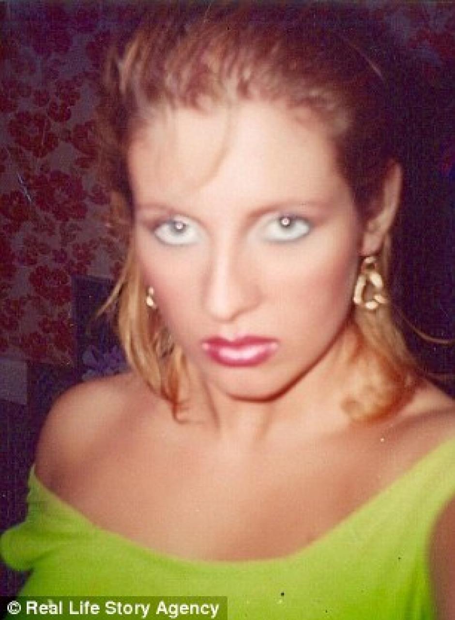 A los 30 años, la mujer empezó a salir con hombres de menor edad. (Foto: Daily Mail)