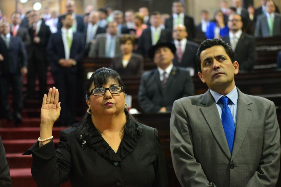 La nueva funcionaria fue juramentada por los diputados en el Congreso. (Foto: Jesús Alfonso/Soy502)