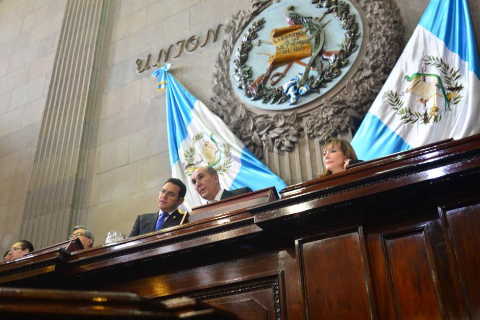 El presidente Jimmy Morales participó en la juramentación de Magistrados Titulares y Suplentes. (Foto: Jesús Alfonso/Soy502)