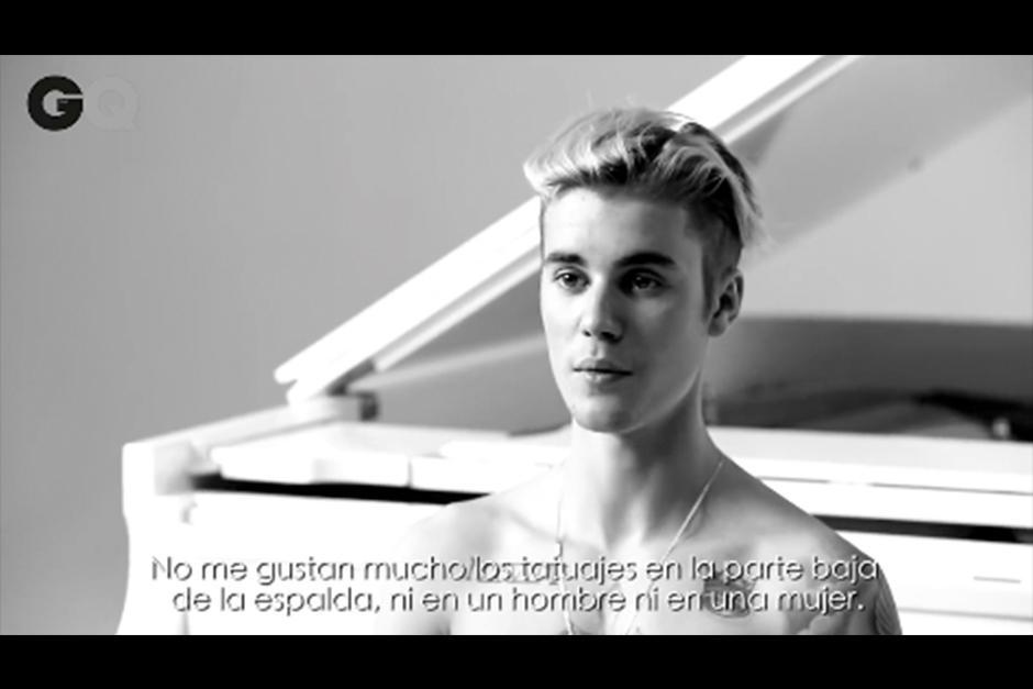 La revista GQ le preguntó a Justin sobre sus tatuajes.(Foto: Video)