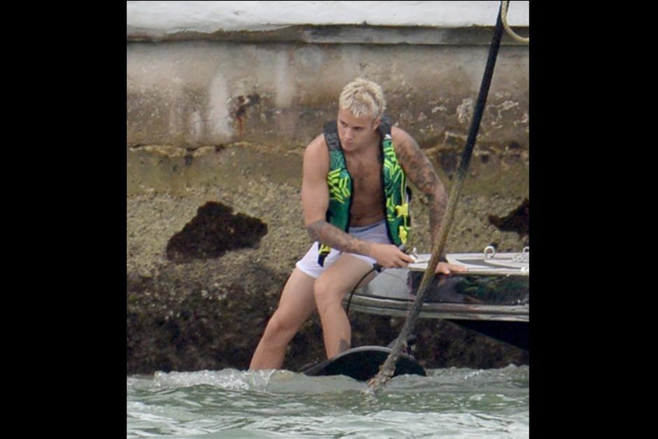 Justin decidió hacerlo en ropa interior blanca. (Foto: TMZ)