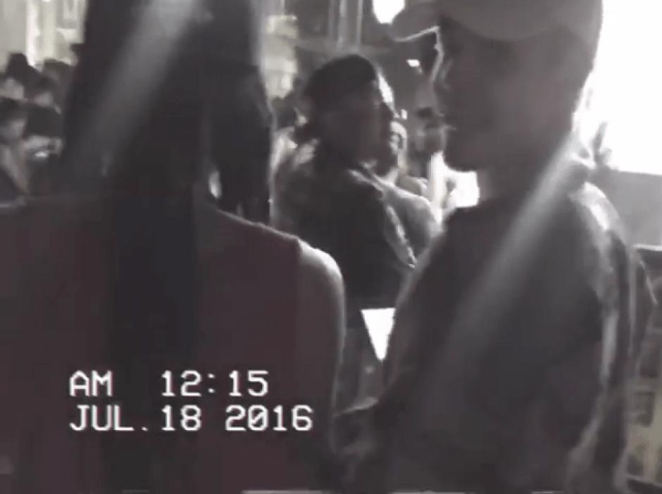 Justin Bieber salió a jugar Pokémon Go en las calles de Nueva York. (Foto: captura de pantalla)
