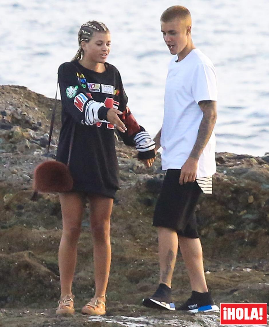 Justin dice que cambiará su estatus en redes si no dejan de molestar a Sophia Richie. (Foto: Hola.com)