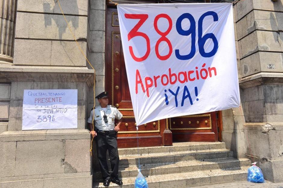 Los jóvenes buscan se aprueba la iniciativa de Ley 3896. (Foto: Jesús Alfonso/Soy502)