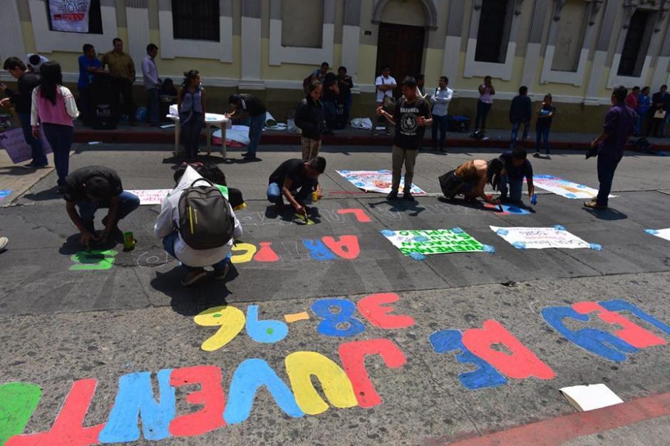 Las calles aledañas al Congreso de la República fueron utilizadas para pedir la ley. (Foto: Jesús Alfonso/Soy502)