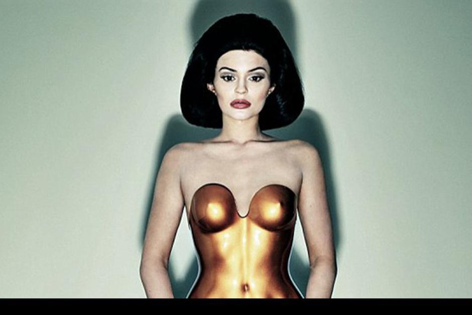 La estrella estadounidense Kylie Jenner no quiere pasar desapercibida y sigue los pasos de su media hermana Kim Kardashian.