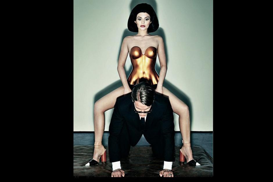 La novia del rapero Tyga mencionó que, a veces, tiene temor de postear fotos muy sexy porque las personas le prestan demasiada atención.