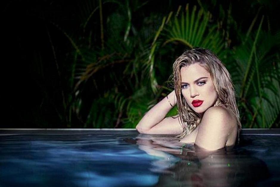 Khloe Kardashian vuelve a capturar la atención de sus seguidores con unas fotos en las muestra su exuberante figura.