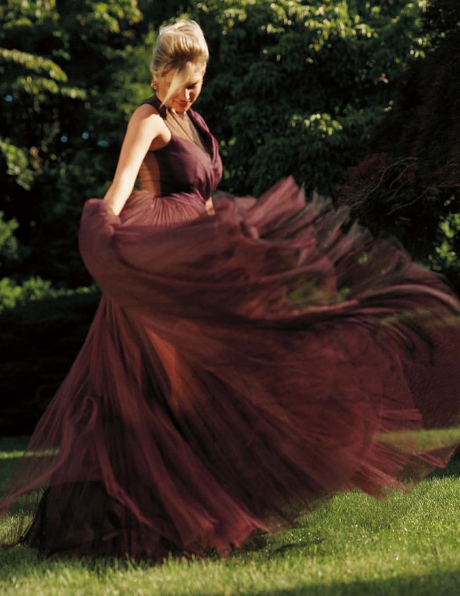 La modelo estadounidense Kate Upton causó furor al posar con un vestido transparente. (Foto: Kate Upton)
